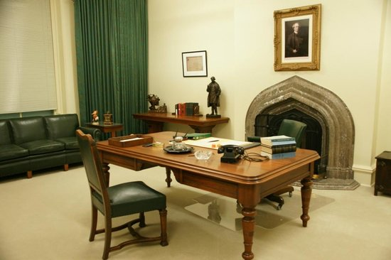 Diefenbaker Canada Centre: Office