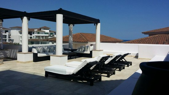 Cabo Azul Resort: Roof top deck Presidential suite
