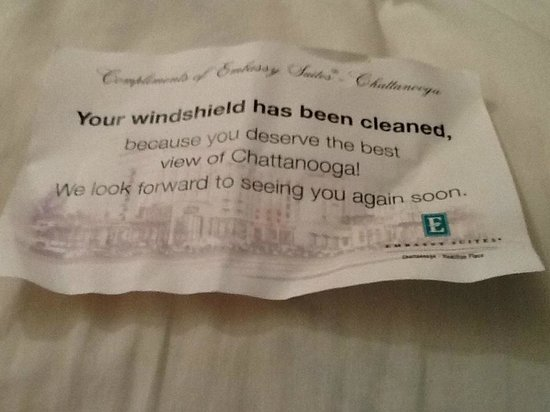 Embassy Suites by Hilton Chattanooga/Hamilton Place : Note Found on Windshield