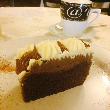 El Pan Nuestro : Pastel de chocolate atrufado!
