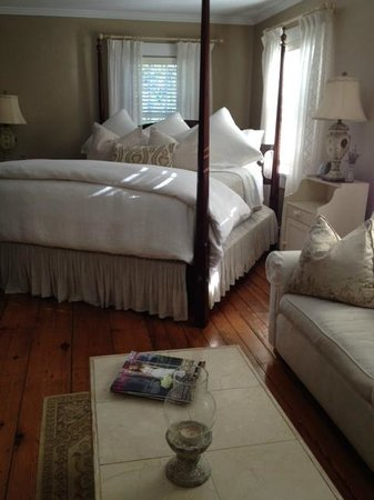 The Morning Glory Bed & Breakfast: Love Deeply