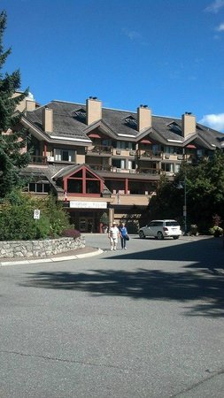 Whistler Village Inn + Suites: Whistler Village Inn and Suites from front