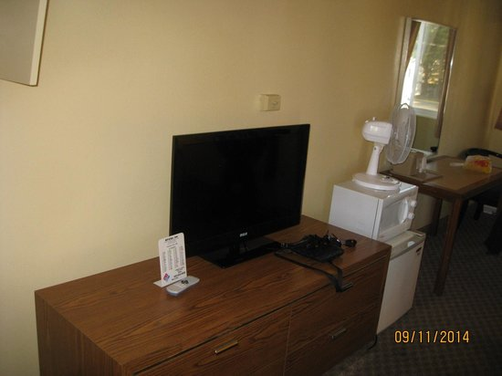 Riviera Inn: new tv