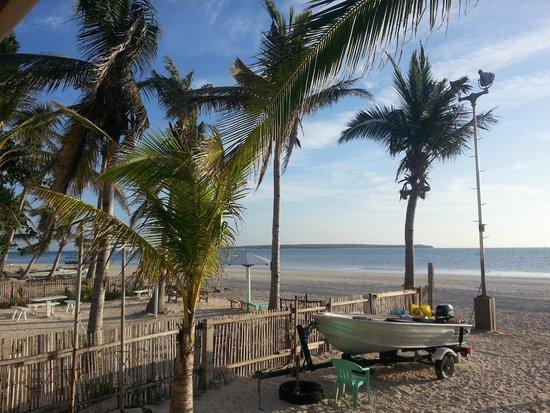 Anika Island Resort : beachfront