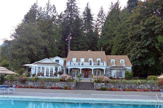 Rowena's Inn on the River: Rowena's Inn