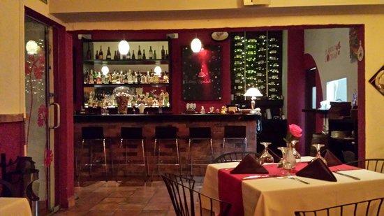 Peter's Restaurante: Bar