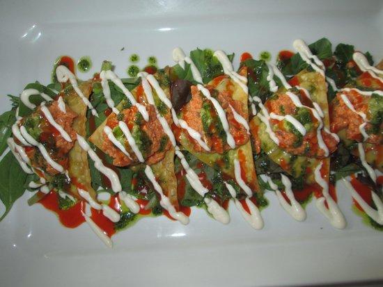 Cuatro Restaurant: Spicy Tuna Nachos