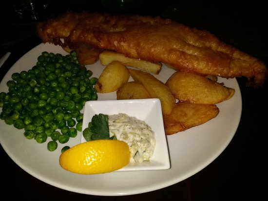 Invergarry Hotel: Beer Battered west coast Haddock and chips.
