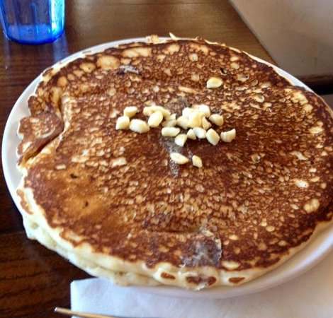 Charley's Restaurant: Macadamia nut pancakes