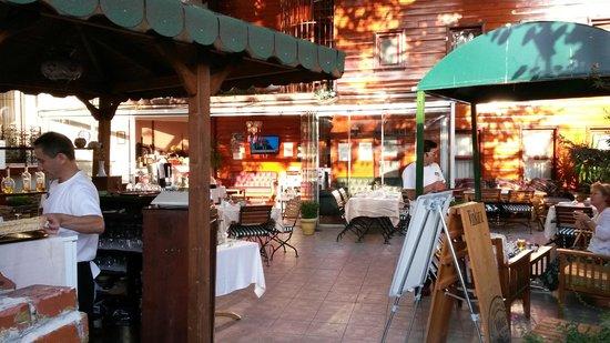 Garden House Istanbul: Bar/Breakfast Area