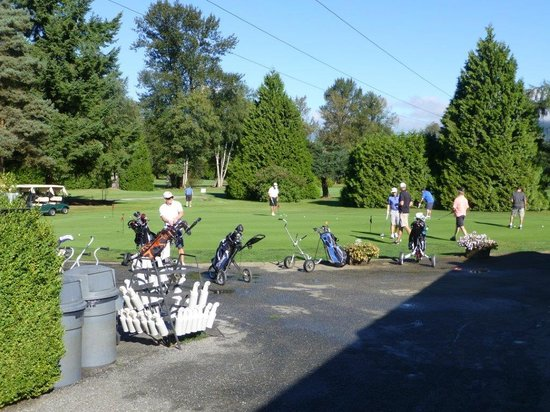 Carnoustie Golf Club: warm up