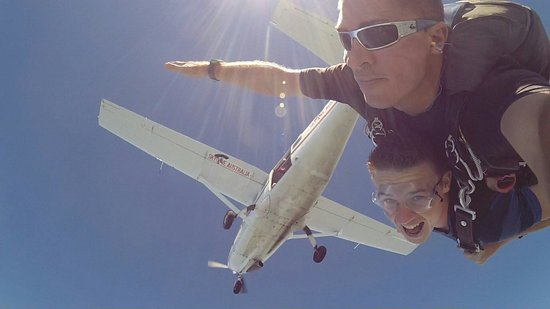 Skydive Mission Beach : Bombs away...
