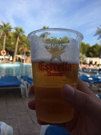 Vell Mari Hotel & Resort: Estrella on tap