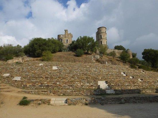 Château de Grimaud : vu du theatre