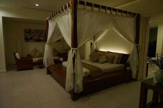 Princess D'An Nam Resort & Spa: The bed