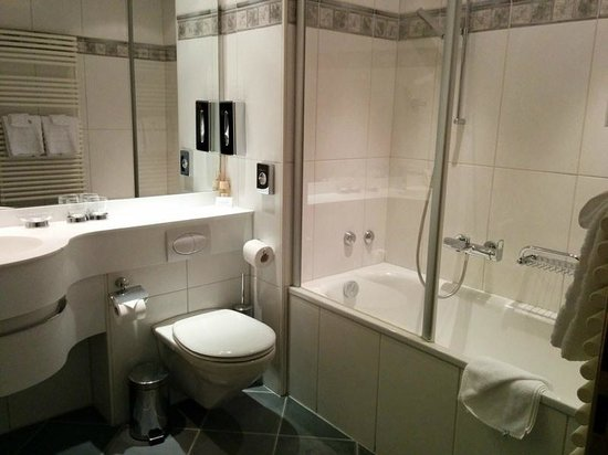 BELLERIVE - CHIC HIDEAWAY: Bathroom