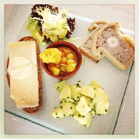Maritime Dining Room: Ploughman's Lunch