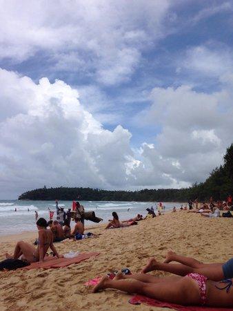 Kata Beach: Playa muy bonita con gran oleaje para hacer surf!