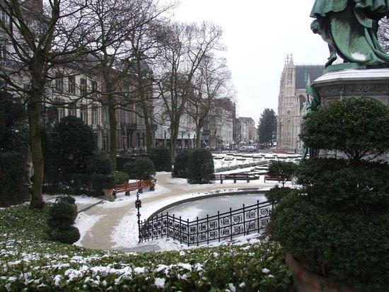 Jardin du Petit Sablon: La place pendant l'hiver