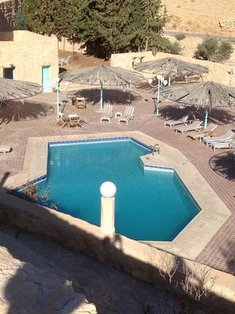Taybet Zaman Hotel and Resort : pool area
