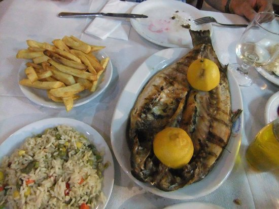 Skala Kallonis, Hellas: grilled fish