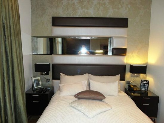 Space Apart Hotel: Double bed