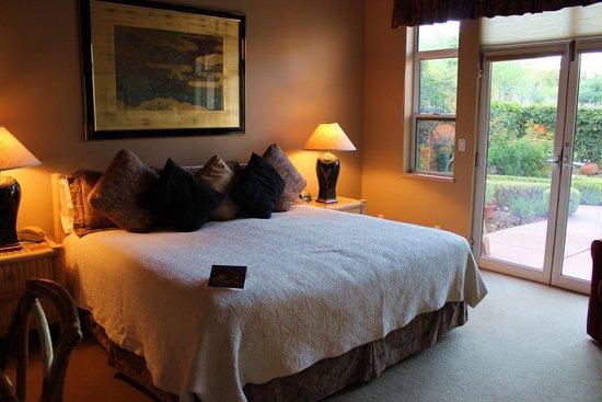 Canyon Villa Bed and Breakfast Inn of Sedona: Zimmer Gold Poppy, Erdgeschoß