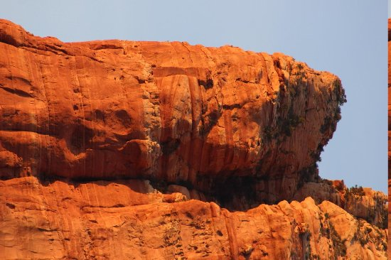 Canyon Villa Bed and Breakfast Inn of Sedona: Rote Felsen am Abend