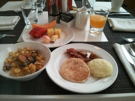The Westin Chennai Velachery: Breakfast