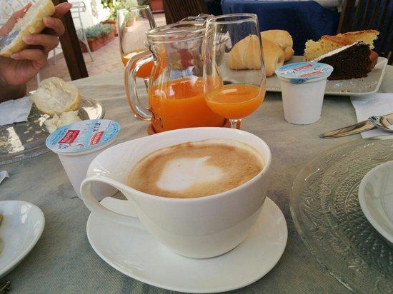 B&B La Papaya: Il cappuccino... squisito...