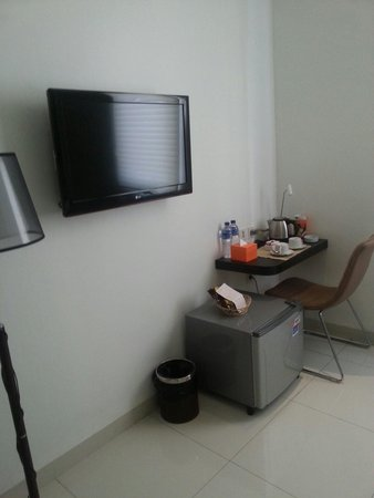 J Hotel: Executive smoking room level 3