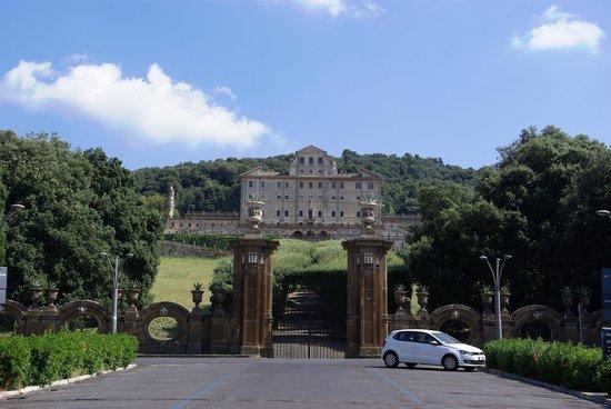 Villa Aldobrandini : View from Piazza Marconi