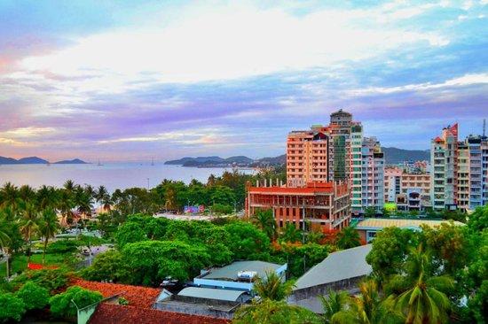 MerPerle SeaSun Hotel: вид на город