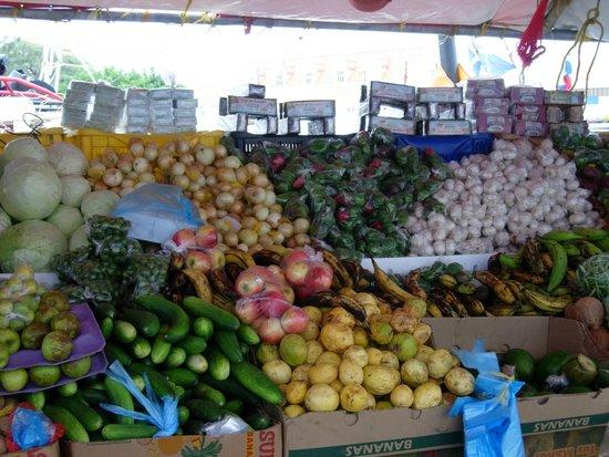Floating Market: Fruit stall
