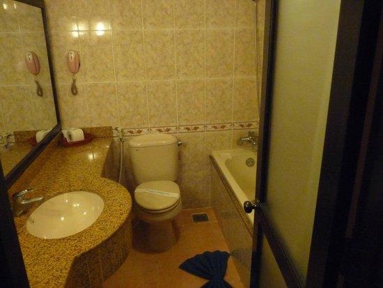 Thuy Duong 3 Hotel : La salle de bains