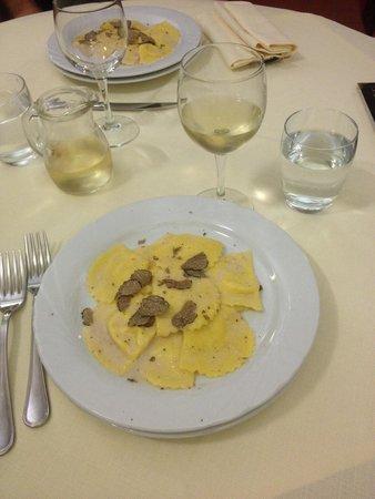 La Casa di Caccia Ristorante : Равиоли с сыром и трюфелем