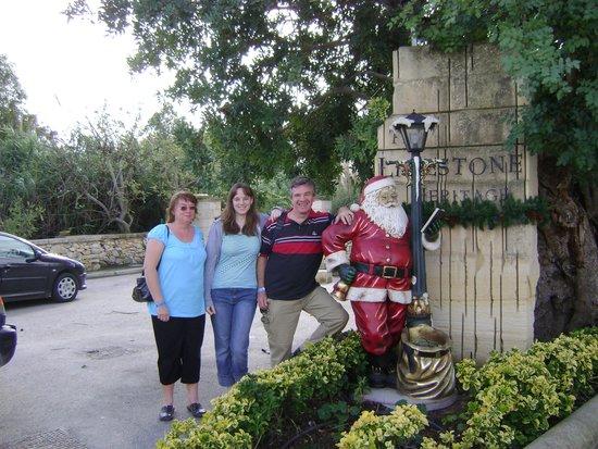 Fortina Spa Resort : Santa in the sun