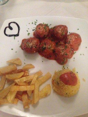 Ponti Beach Hotel : Meatballs
