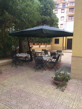 Hotel d'Orleans: Terrace