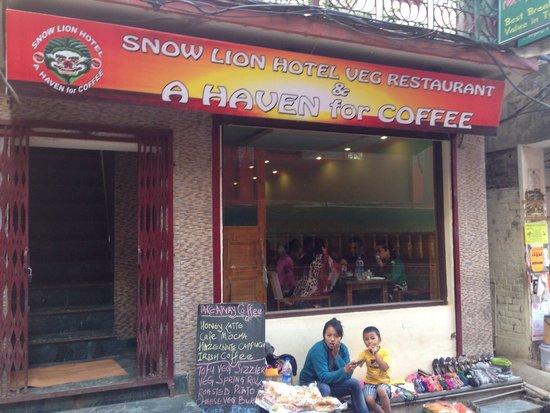 Snow Lion Restaurant: Good coffee here