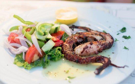 Byzantino : осьминог на блюдце
