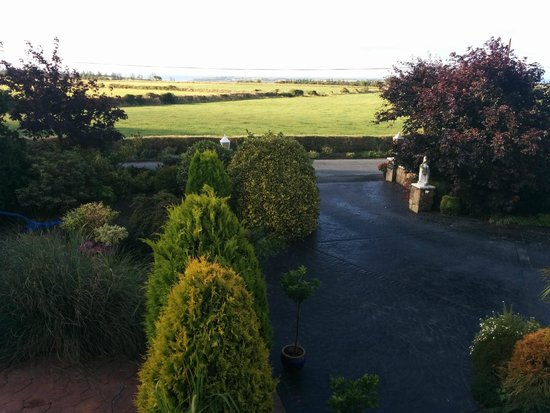 Newtown Farm Country House: Vista dalla camera da letto