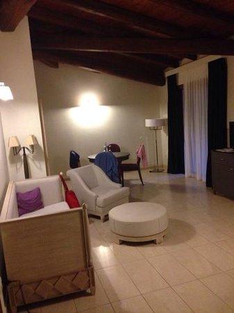 Is Arenas Resort : trop grande et canapé spatiate