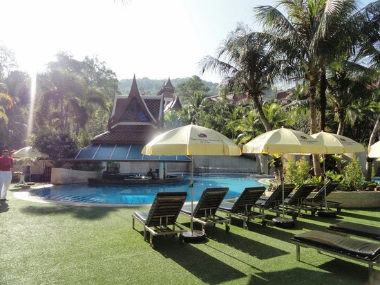 Krabi Thai Village Resort : Adult pool area