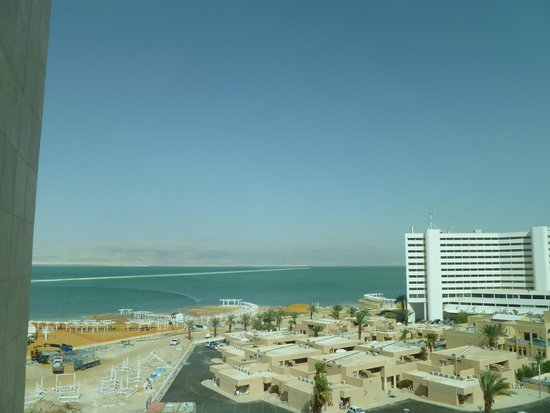 Hod Hamidbar Resort and Spa Hotel: View of the Dead Sea from our hotel