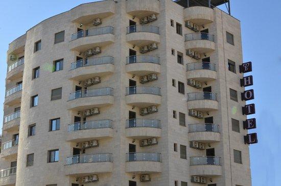 Al Zarqa, Jordan: فندق جوابة للأجنحة الفندقية