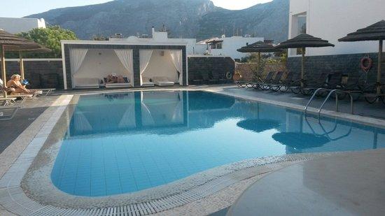 Hotel Anemones: Flot pool område.