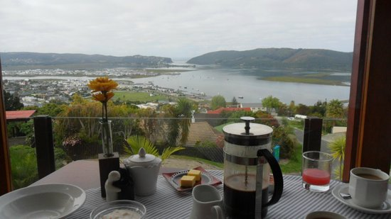 Blue Oyster B&B: View from breakfast and also from any front bedroom