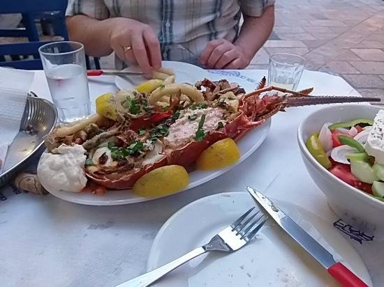 Taverna Meraklis : great food....