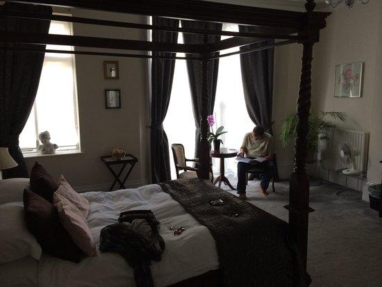 Grey's Hotel: Room 4